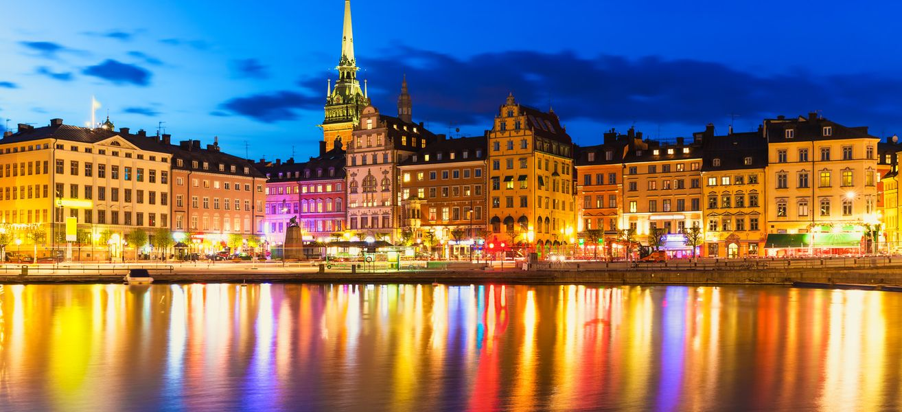 scenic summer night panorama of the old town gamla stan architecture pier in stockholm sweden image id 191780318 1423239748 1eq4 - زندگی در سوئد